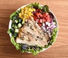 その日の気分で自由に野菜をセレクト 神楽坂に「サラダボウル」専門店できました