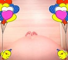 吉澤ひとみ 妊娠7ヶ月、上から写したぽっこりお腹を公開