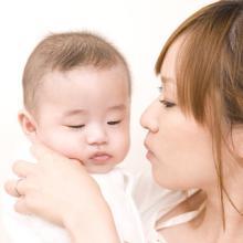 JAL、妊婦・子連れ旅行をサポート - 出産後のステイタス保有サービスを開始