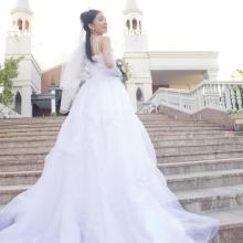 ウエディングドレスはなぜ白なのか?