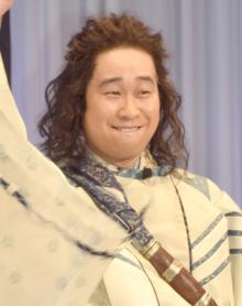 au「三太郎」CM、謎の一寸法師役が判明 『桐島』出演の俳優・前野朋哉