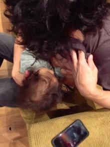 藤本美貴 夫・庄司が娘に「オッパイのむ??」と迫る写真公開