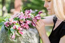 """【家族葬に<span class=""""hlword1"""">樹木葬</span>…】お葬式の「今」。新しいお弔いの様式が広がっている"""