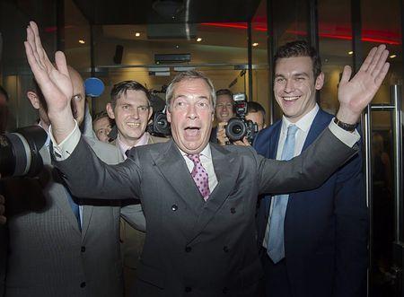 英EU離脱へ 残留派僅差で勝利