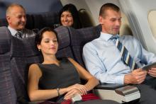搭乗後すぐにやるべき!「時差に悩まされない」機内での過ごし方4つ