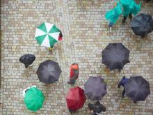 「ビニール傘」のルーツ、知ってますか?