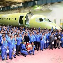 MRJの6月進捗 - 量産初号機の胴体部品出荷式、今夏には3,4号機が初飛行へ