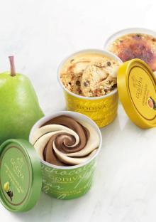 ゴディバ、贅沢カップアイスに「洋梨」「ブリュレ」