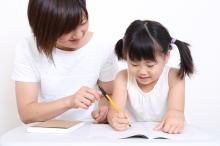 子どもに「夏休みの宿題を計画的にやらせる」方法3つ