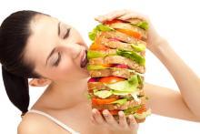寝不足はドカ食いの原因?気づかずやってるダイエットNG習慣3つ