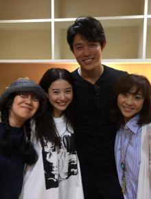 松本明子 吉高由里子他『花子とアン』共演者と4ショット