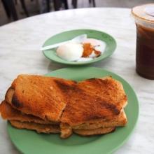 世界の朝食 (6) チキンライスだけじゃない! シンガポールは朝から安旨グルメが選び放題