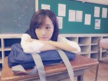 前田希美 学校での制服ショット多数公開、青春胸キュン姿に絶賛