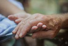 老後二極化 コンシェルお世話のホームorゴミ屋敷で孤独死