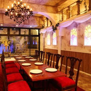 「野獣の部屋」も! 美女と野獣のコンセプトカフェが横浜中華街に誕生