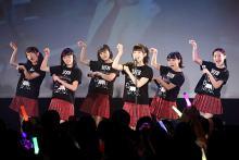 カントリー・ガールズ、富士登山をファンに報告 「次はアイドル界の日本一を」