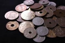 低所得ほどうつに 100万円未満は400万円以上の6.9倍
