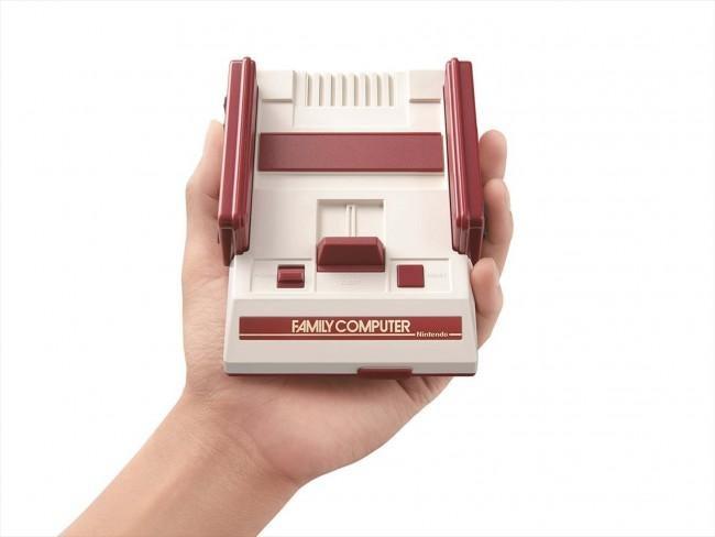 任天堂、手の平サイズの超コンパクトなファミコン発売!旧作30種プレイ可能