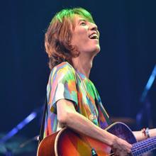 角松敏生 35周年記念横浜アリーナ公演を映像化、約6時間におよぶライヴを完全収録