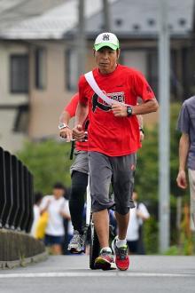 東日本大震災の被災者支援で走る間寛平 東北とは不思議な縁