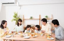 親の介入が難しい「子どものネットいじめ」救う鍵は一家団らんの食卓にあり