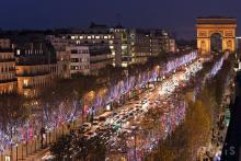 美しさにため息。パリの街がクリスマスムードに染まったら...