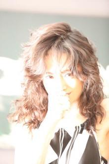 中森明菜 7年ぶりステージに涙「心から感謝」 80分熱唱で完全復活