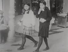 清楚可憐なべっぴんさん揃い!昭和初期の女子高生制服姿まとめ