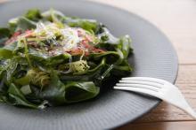 忘年会続きで栄養が偏りがちな年末こそ食べたい「海藻」の豊富な栄養素とは