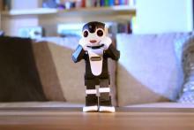 ロボットケータイ「ロボホン」が恋ダンス―シャープが期間限定でネット公開