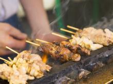 「やきとり」を串から外して食べるのは、あり? なし?