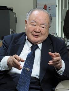 90歳で週5日働く大手スーパー会長の「最後のご奉公」