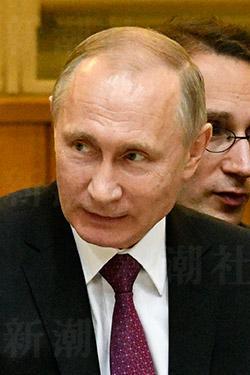 プーチンの怒りを訳せず…お粗末だった首脳会談の同時通訳