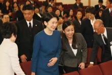 佳子さま 中高の学園祭ではAKBや少女時代のダンス披露