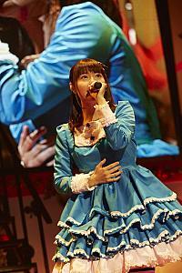竹達彩奈、最新アルバム『Lyrical Concerto』を引っさげた中野サンプラザ公演で20曲を熱唱
