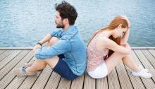男女差あり? つい今の恋人と元カレ・元カノを比べちゃう人の割合は……