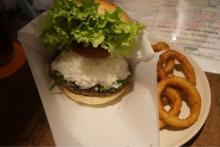 食通・渡部建が健康的なハンバーガー店の「梅おろしそバーガー」紹介