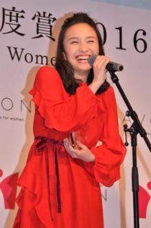 百田夏菜子、あいさつ順忘れられるも機転利かす ももクロ決めポーズのおしとやかバージョンを披露