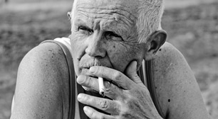 歯を失いたくないなら禁煙! タバコが歯周病を悪化させる