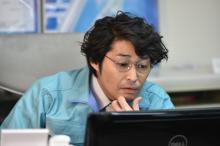 『嘘の戦争』安田顕の役作り「せりふからバカが伝わるように」