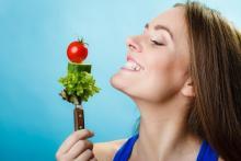 レタスには爪楊枝!? 野菜を「お腹ではなくゴミ箱行き」にしない方法