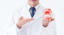 割れた歯が原因の口臭…根本的な解決策は?