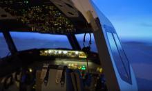 本格「フライトシム」でパイロット志願者を醸成!