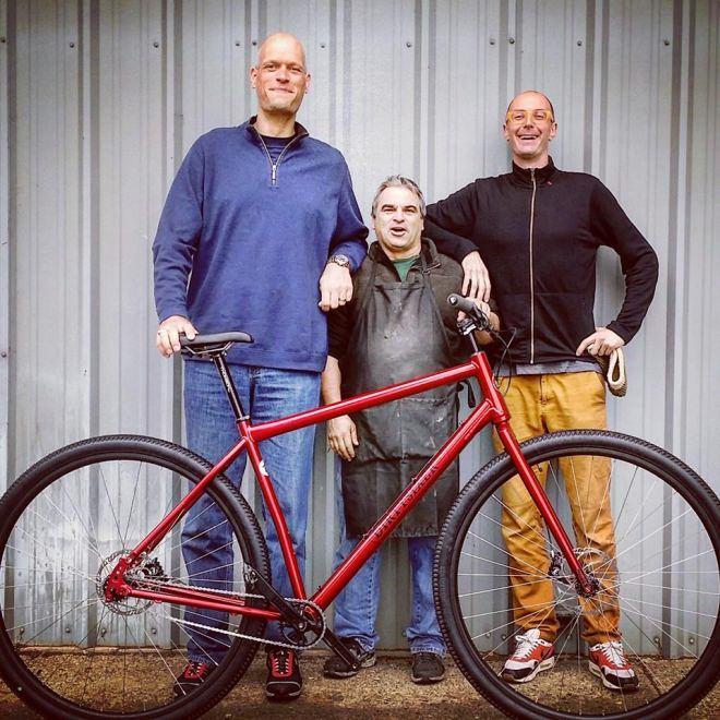 身長2メートル25センチまでに対応…36インチの自転車「DirtySixer」