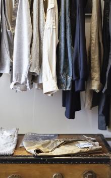 買い物はクローゼットを見たあとに 無駄遣いを減らす方法