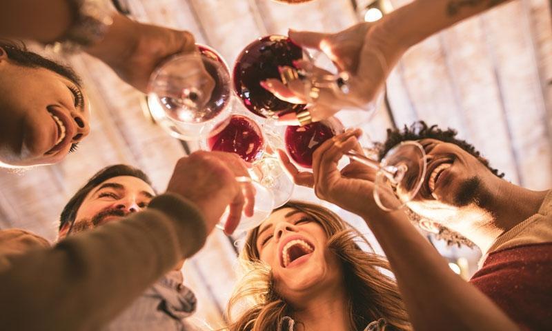 お持ち帰りアピールはNG!酔っ払い時、男から嫌われる女の特徴7つ