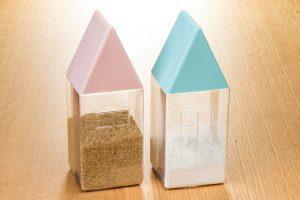 『ハウスパウダーケース』小麦粉も入浴剤もパッと振るだけ!便利でかわいい粉モノ容器