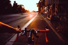 自動車を牽引できる自転車!? パワーありすぎな電気アシスト自転車
