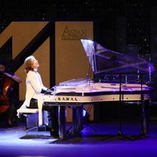 YOSHIKIが再び香港を席巻、アジアのアカデミーショーで「Art Of Life」披露