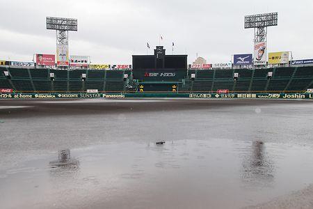 選抜高校野球、雨で順延=3試合とも22日に